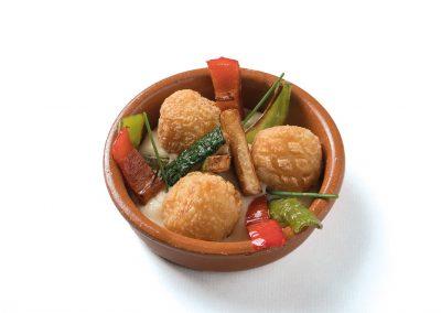 CAZOLETA: Vigilia Albóndigas de bacalao en su salsa con verduras. Apta Celíacos