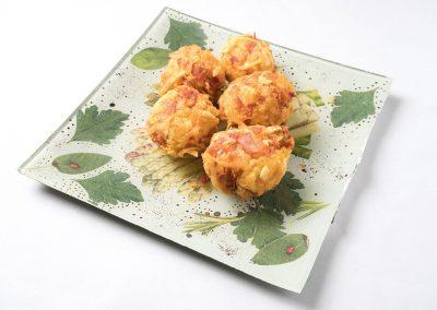 TAPA: Nidito La Setella Beicon picado, patata del soto de Aysa y huevo. Apta Celíacos